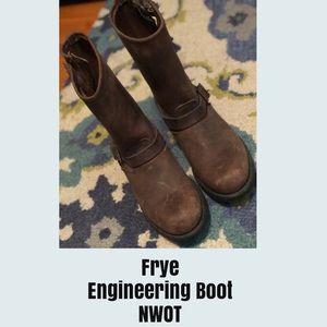 Frye, Engineering Boot, Sz 11, NWOT